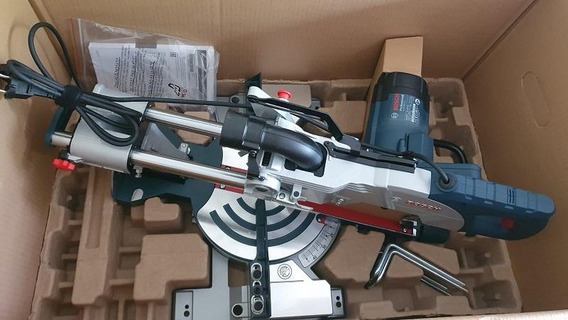 Lieferumfang Bosch GCm 800 SJ